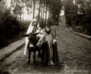 kindsheid verklede-kinderen-o.a.-maria-miet-willems-.